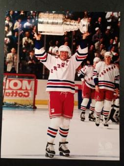 MARK MESSIER New York Rangers STANLEY CUP Trophy 8X10 PHOTO